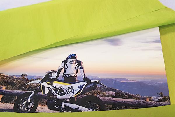 Tirage photo de moto sur metal a Aix en Provence